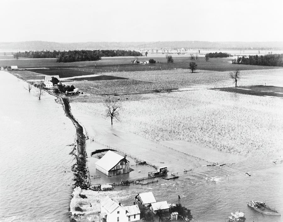 Great Mississippi Flood Photograph - Great Mississippi Flood by Library Of Congress/science Photo Library