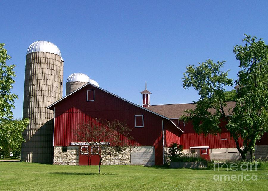 Red Photograph - Greene Farmstead by Laurie Eve Loftin