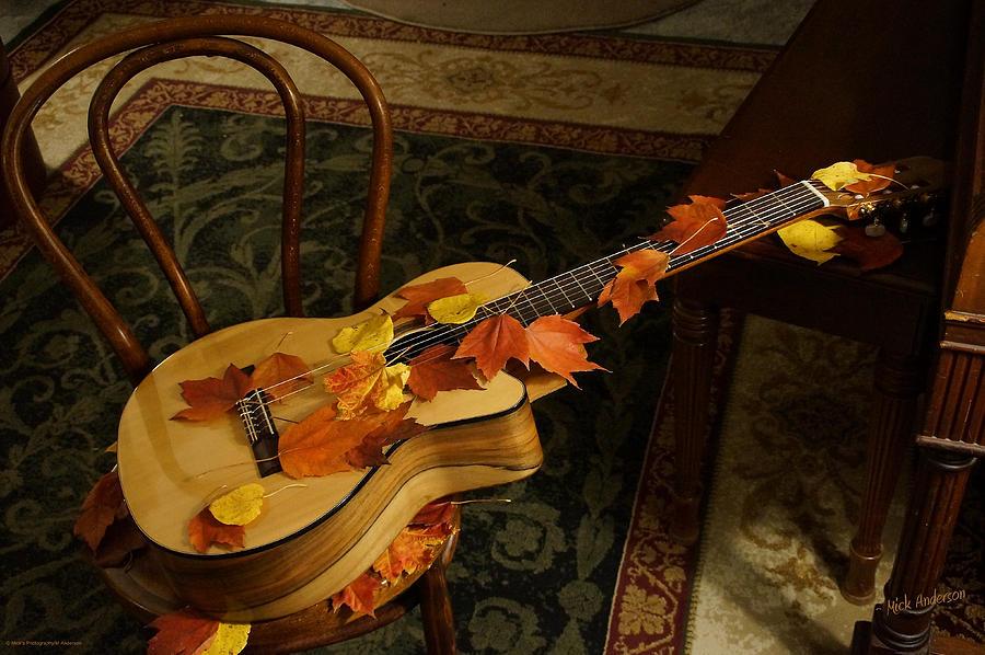 его гитара и осенние листья картинки его преимуществ является