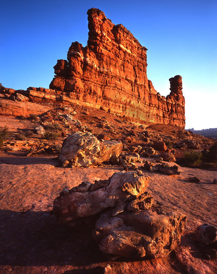 Arches National Park Photograph - Gunsight Rock by Ray Mathis