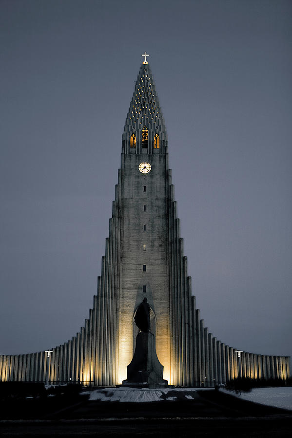 Hallgrims Church Lit Up In The Evening Photograph by Merten Snijders