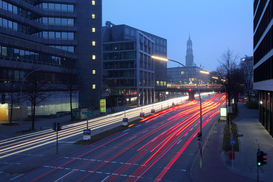 Hamburg Photograph - Hamburg Nightlines by Marc Huebner