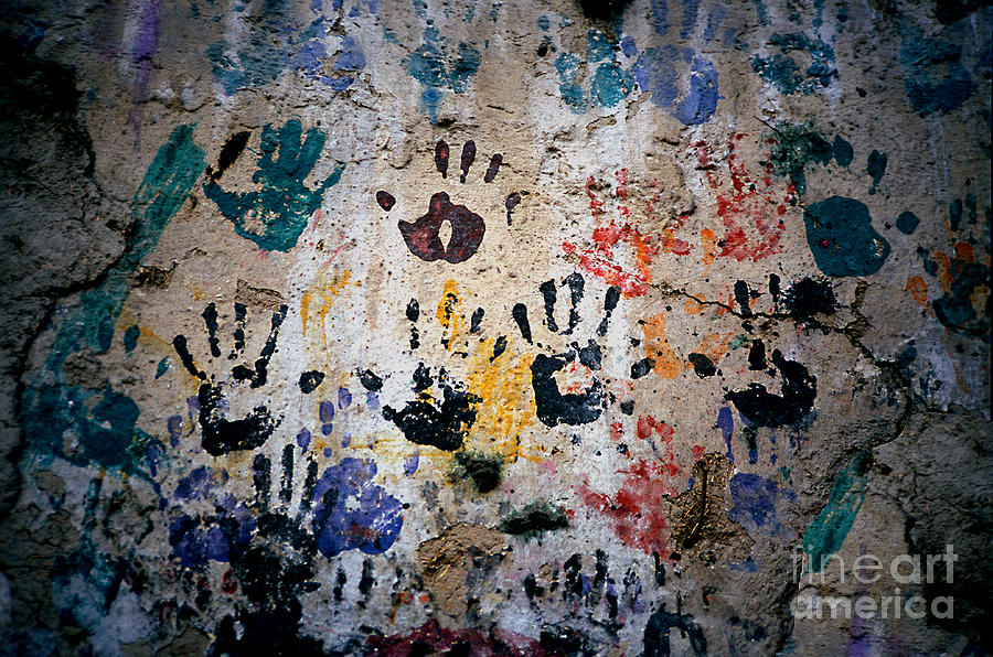Mural Photograph - Hands On Wall by Eva Kato