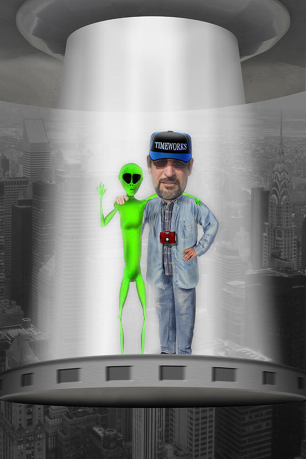 Alien Photograph - Hangin With G by Mike McGlothlen