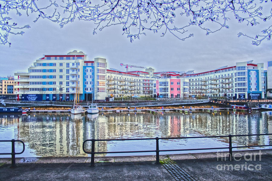 Bristol Photograph - Harbourside Flats by Brian Roscorla