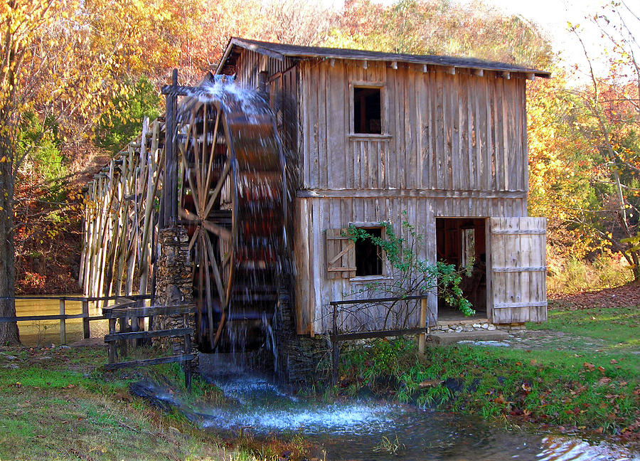 Hardy Mill In Autumn Photograph by Ed Cooper