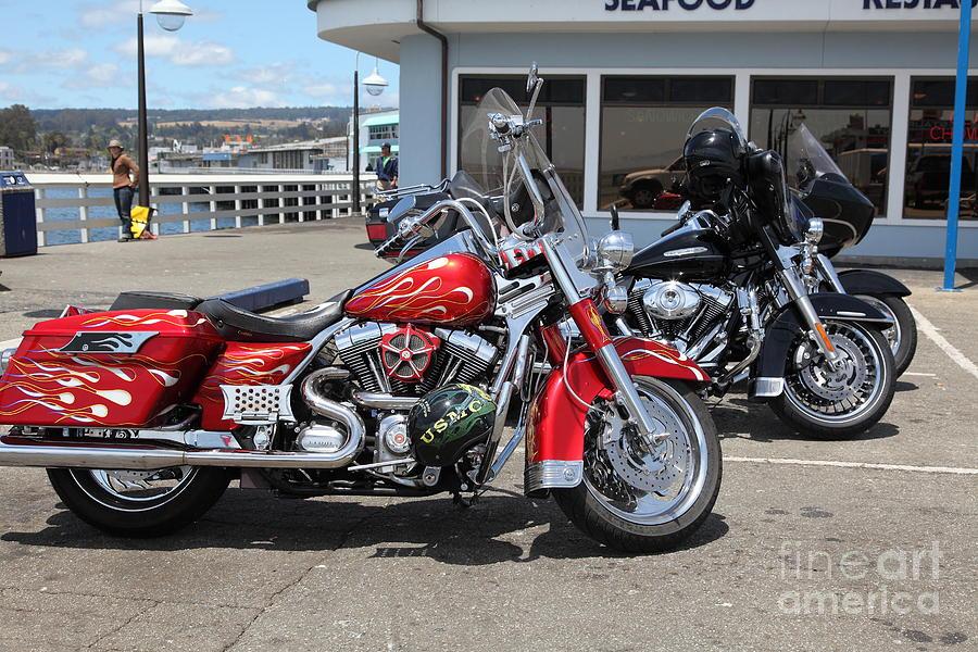 California Photograph - Harley-davidson Motorcycle On The Municipal Wharf At Santa Cruz Beach Boardwalk California 5d23817 by Wingsdomain Art and Photography