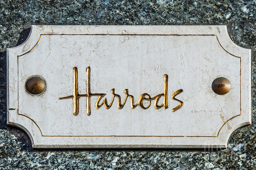 Harrods Photograph - Harrods by Luis Alvarenga