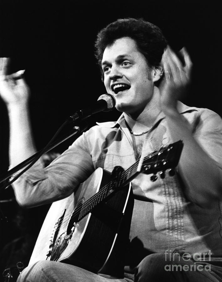 Harry Chapin Photograph - Harry Chapin 1977 by Chris Walter