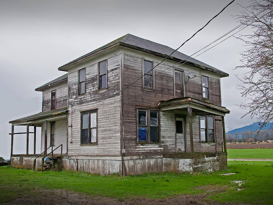 House Photograph - Haunted House Of Skagit County by Kent Sorensen