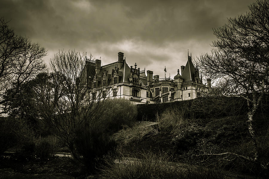 House Photograph - Haunted by Jose Torres