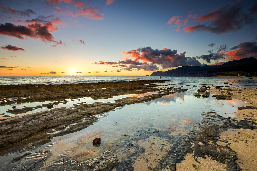 Hawaiian Photograph - Hawaii Sunset by Robert  Aycock