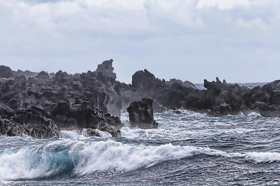 Hawaii Waves Photograph - Hawaii Waves V1 by Douglas Barnard