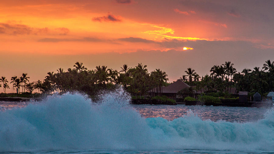 Hawaii Photograph - Hawaiian Sunset by Bill Gallagher