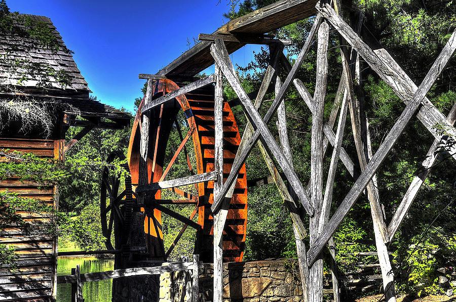 Haywood Community College Photograph - Haywood Cc Grist Mill Wheel by Craig Burgwardt