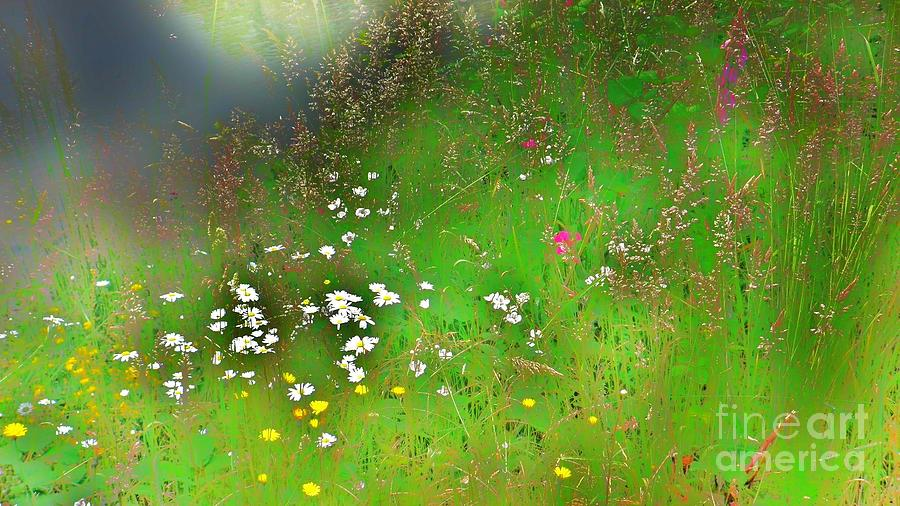Abstract Painting - Hazy Meadow Abstract by Suzanne McKay
