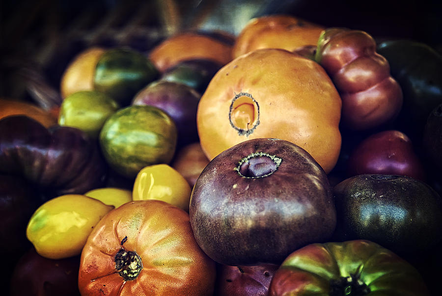 Fruit Photograph - Heirloom Tomatoes At The Farmers Market by Scott Norris