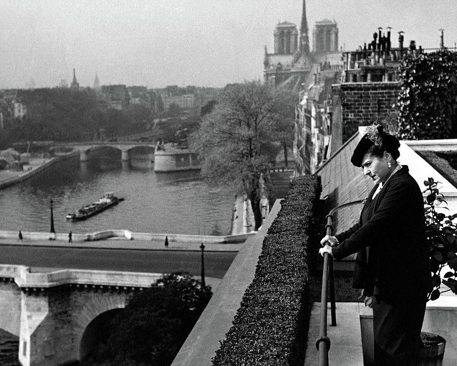 Helena Rubinstein In Her Paris Garden Photograph by F. S. Lincoln