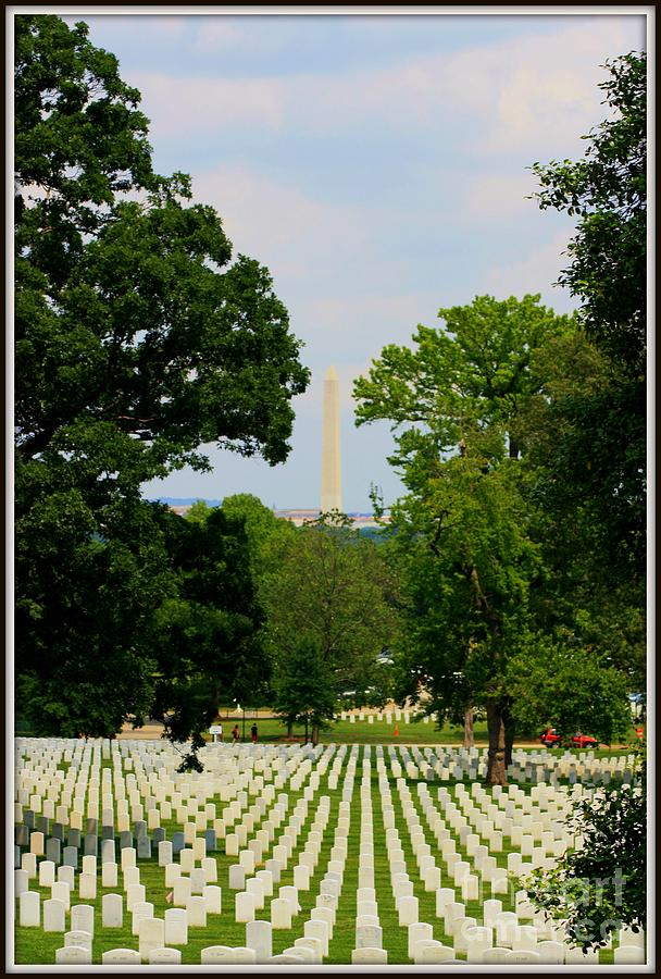Washington D.c. Photograph - Heroes And A Monument by Patti Whitten