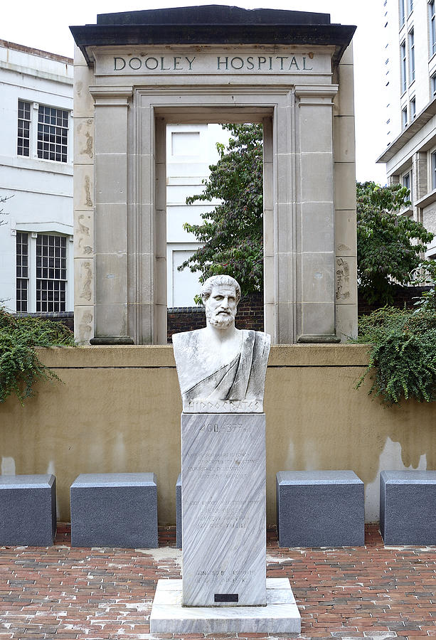 Hippocrates Photograph - Hippocrates Statue - Richmond Virginia by Brendan Reals