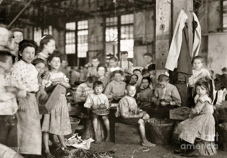 the poor living conditions and poverty in industrial towns of england The period of adjustment led to many workers living in extreme poverty and articles- victorian england- poverty in victorian these miserable victorian poor.