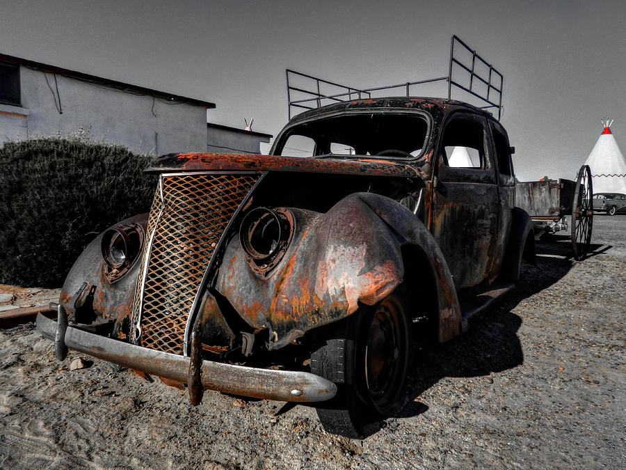Arizona Photograph - Holbrook Az - Wigwam Motel 003 by Lance Vaughn