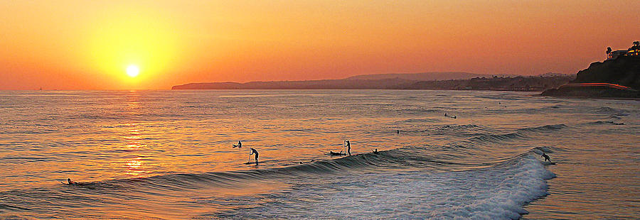 San Clemente Photograph - Honey Ill Be Late For Dinner by Ron Regalado