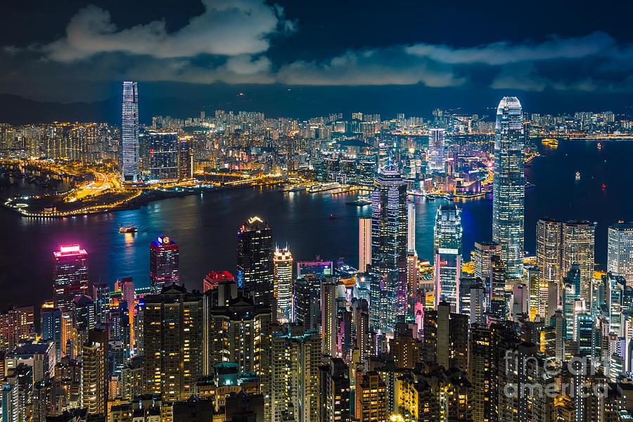 Hong Kong Photograph - Hong Kong 10 by Tom Uhlenberg