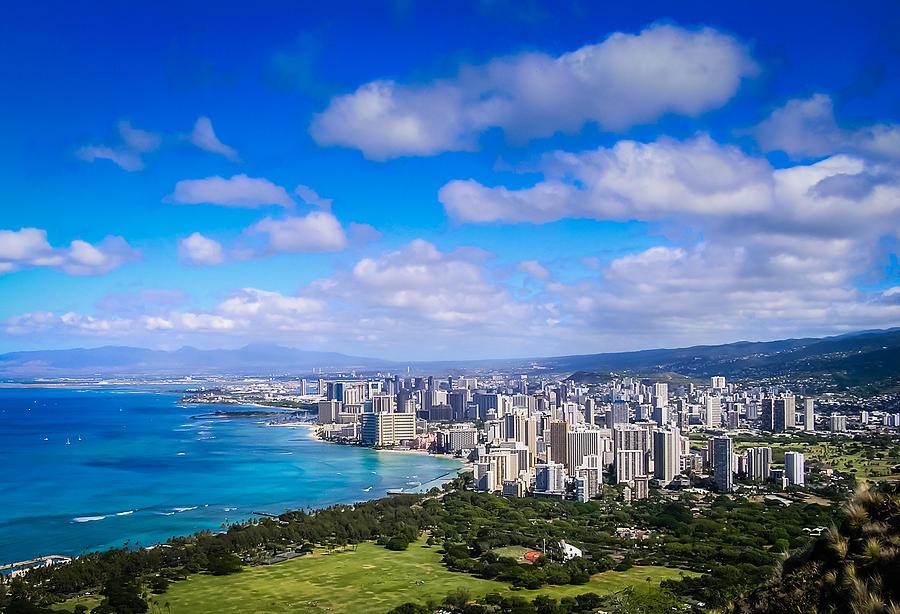 Honolulu Photograph - Honolulu Hawaii by Richard Brown