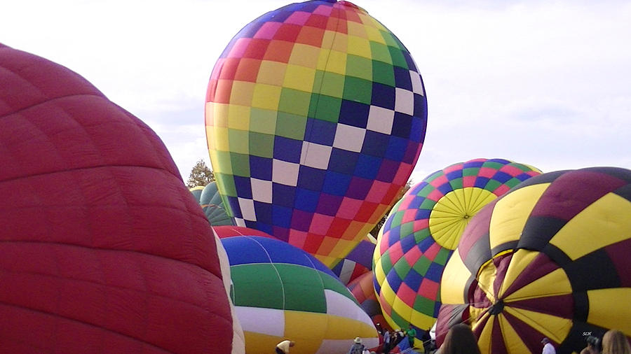 Colors Photograph - Hot Air Balloons by Lee Hartsell