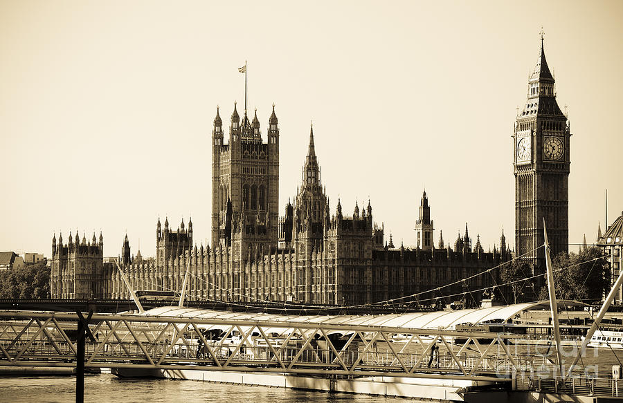 Big Ben Photograph - Houses Of Parliament by Lana Enderle