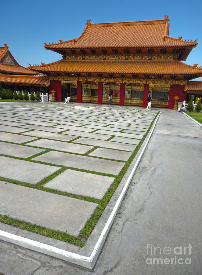 Hsi Lai Temple Painting - Hsi Lai Temple - 04 by Gregory Dyer