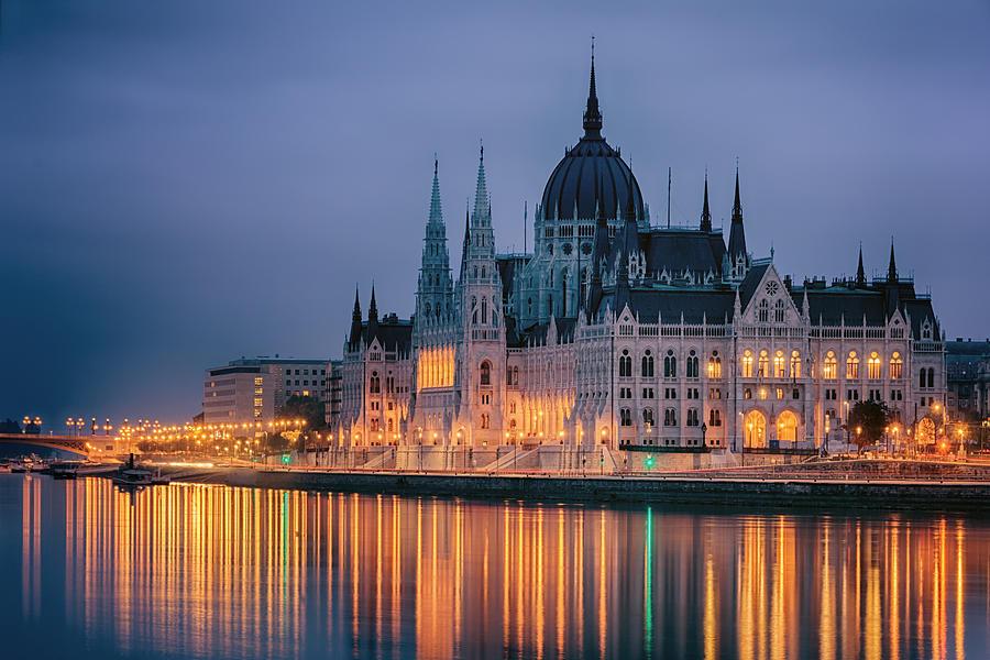 Joan Carroll Photograph - Hungarian Parliament Dawn by Joan Carroll
