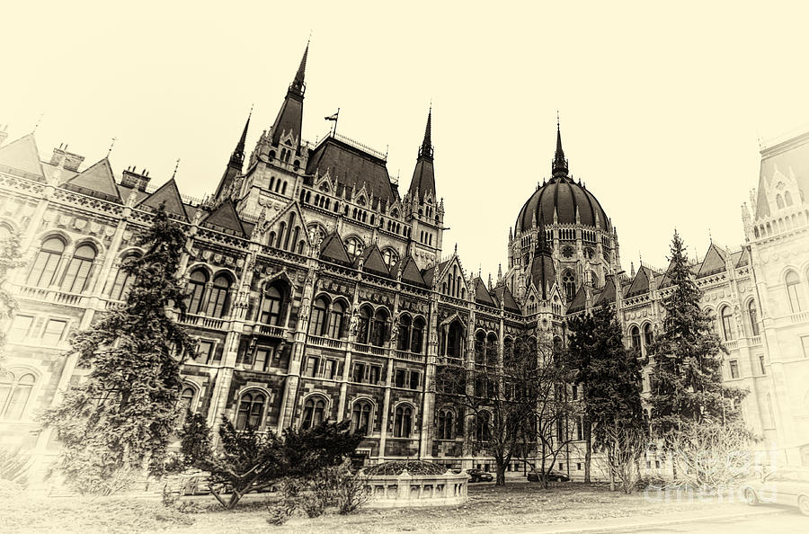 Budapest Photograph - Hungarian Parliament by Mohamed Rahmo