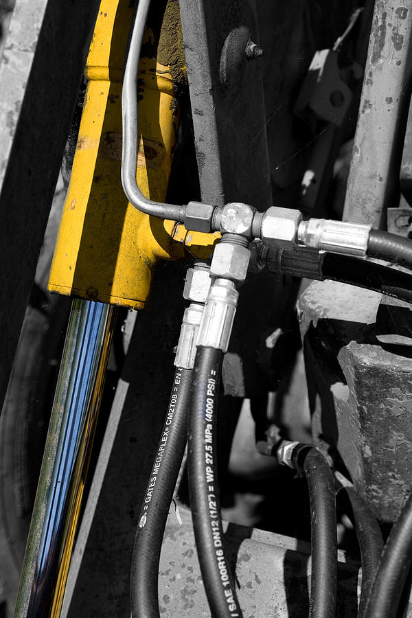 Hydraulic Cylinder Photograph - Hydraulic Muscle by Paul Lilley