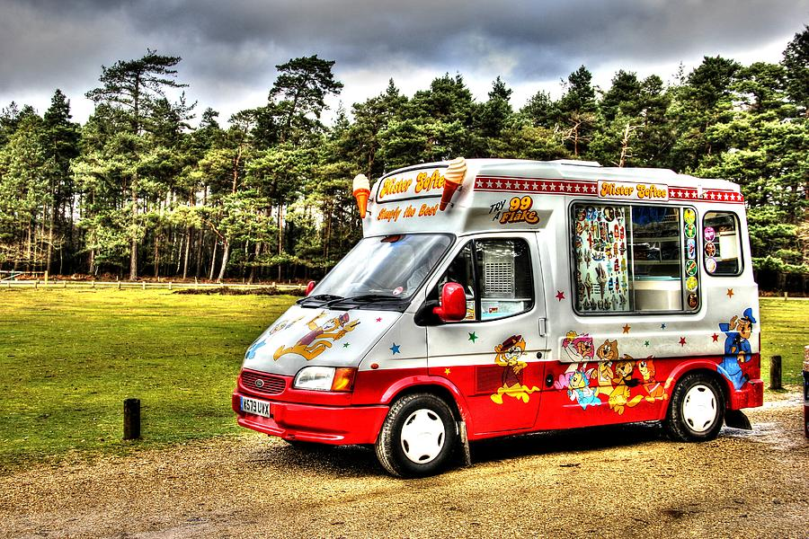 Ice Cream Photograph - Ice Cream in the New Forest by Peggy Berger