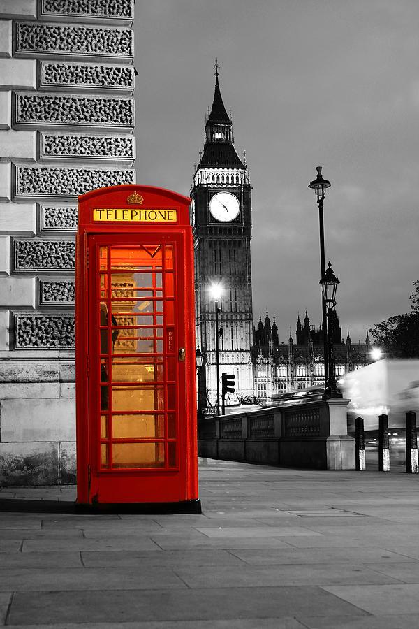 London Photograph - Iconic London by Dan Davidson
