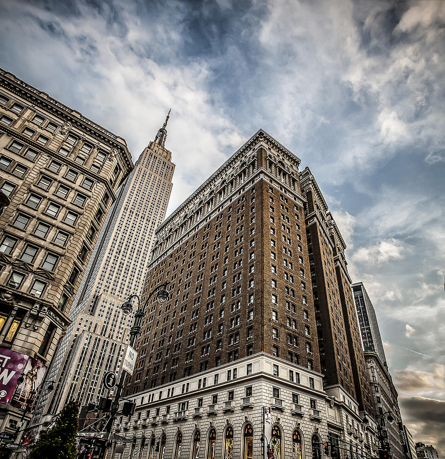 Usa Photograph - In A New York Minute by Shari Mattox