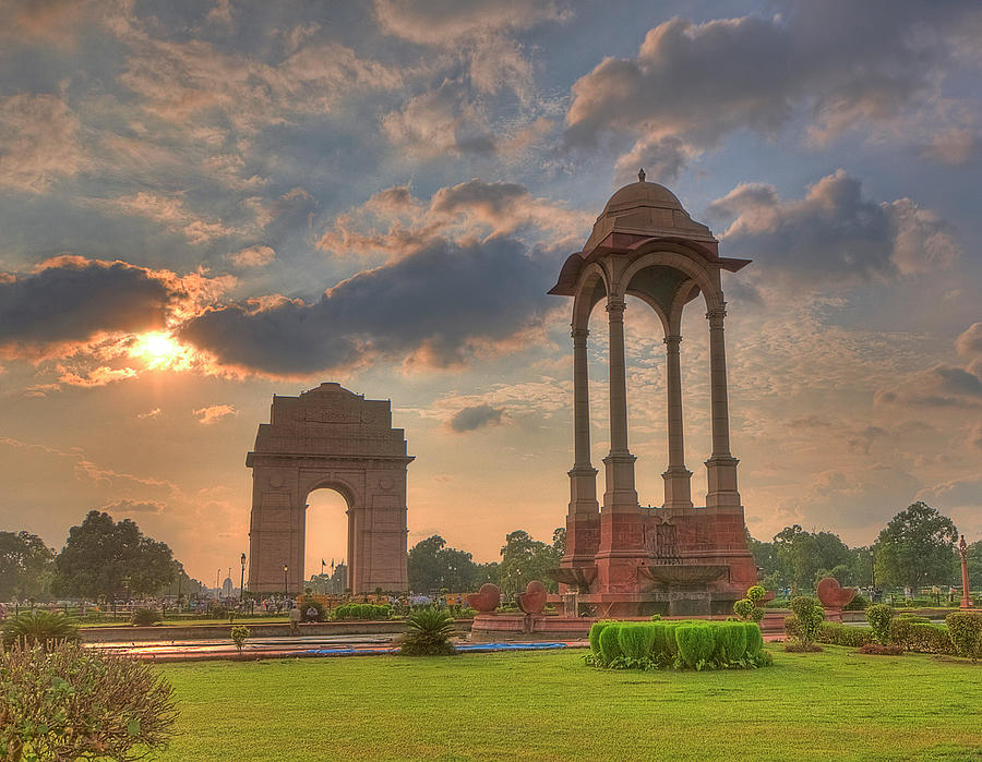 India Gate And Canopy At Sunset Photograph by Mukul Banerjee Photography