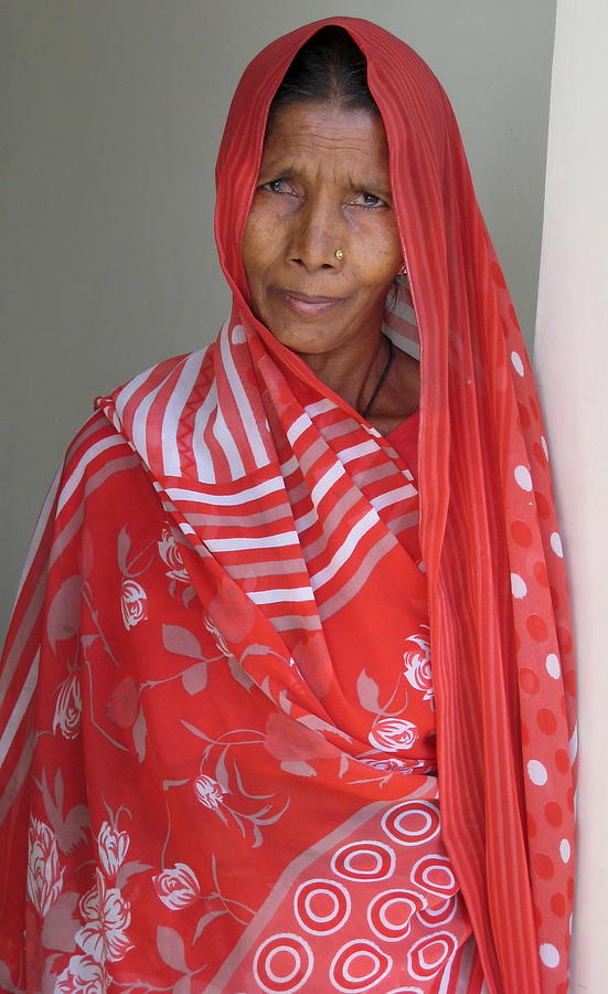 Portrait Photograph - Indian Women In Red by Russell Smidt