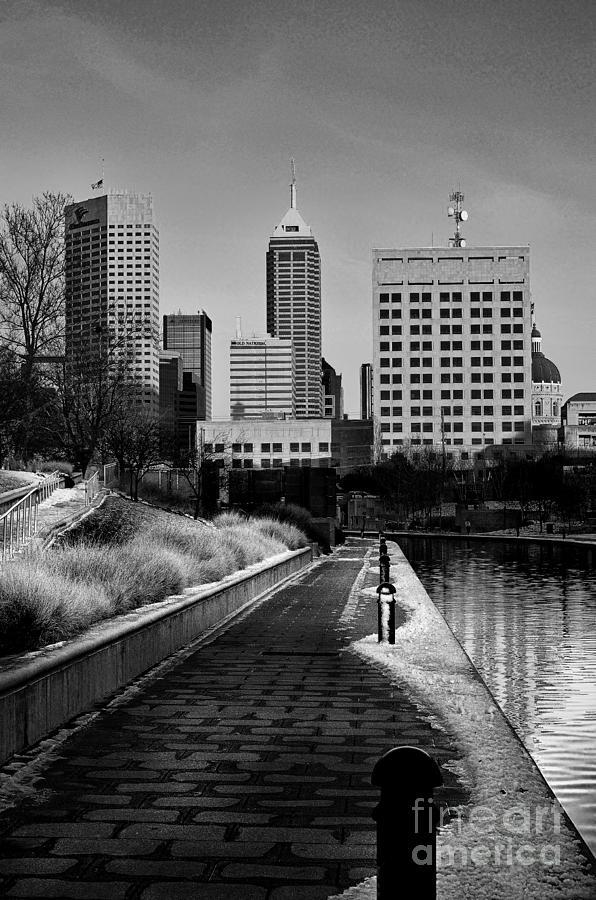 Indianapolis Photograph - Indianapolis Skyline 21 by David Haskett