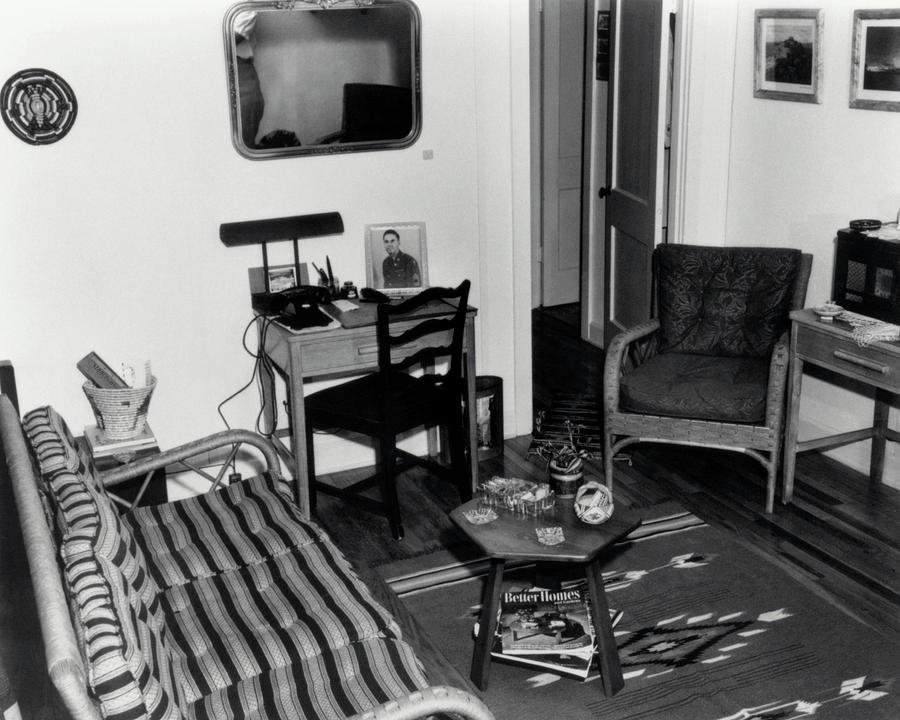 Los Alamos Photograph - Interior Of Typical House by Los Alamos National Laboratory/science Photo Library