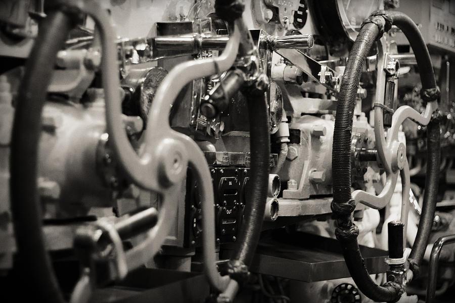 Mechanics Photograph - Internal Mechanics Uss Bowfin by Douglas Barnard