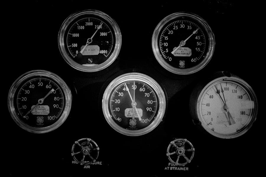 Mechanics Photograph - Internal Mechanics Uss Bowfin Pearl Harbor V3 by Douglas Barnard