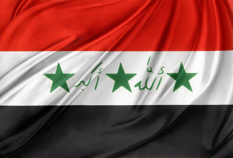Banner Photograph - Iraq Flag by Les Cunliffe