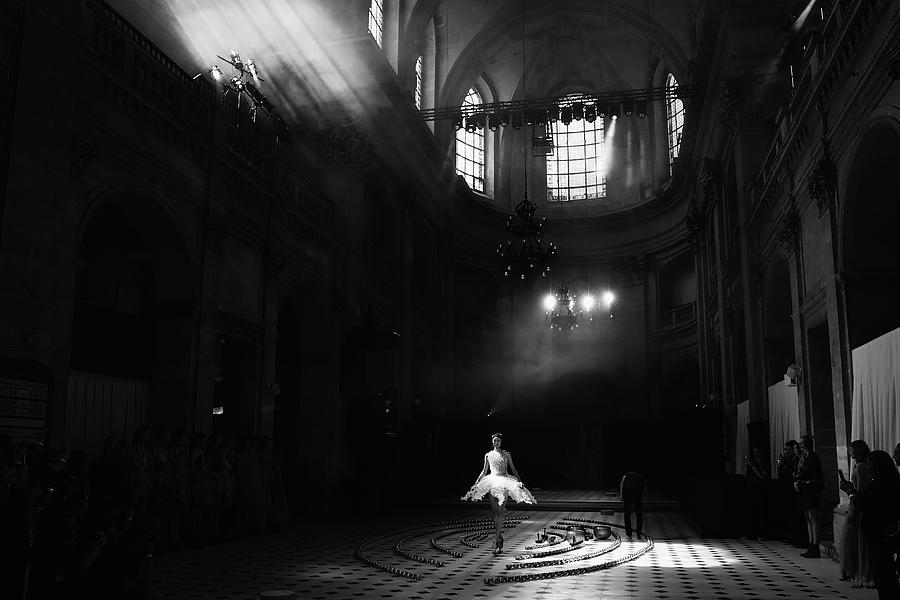 Iris Van Herpen  Runway - Paris Fashion Photograph by Vittorio Zunino Celotto