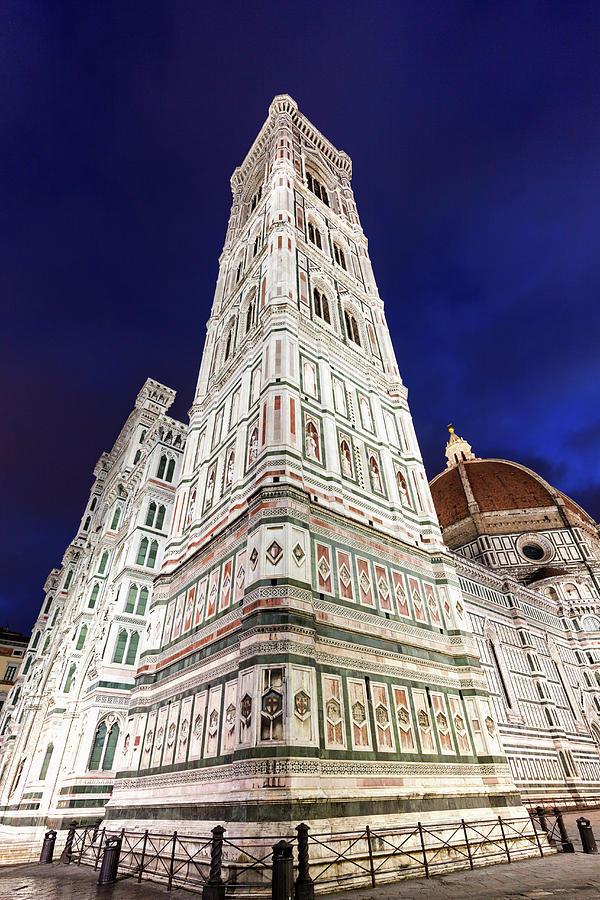Italy, Tuscany, Florence, Low-angle Photograph by Henryk Sadura/tetra Images