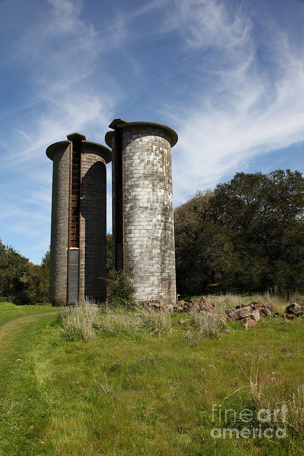 Sonoma Photograph - Jack London Ranch Silos 5d22161 by Wingsdomain Art and Photography