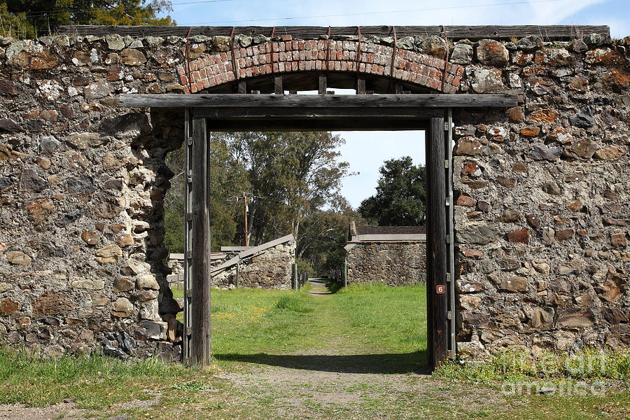 Wingsdomain Photograph - Jack London Ranch Winery Ruins 5d22128 by Wingsdomain Art and Photography