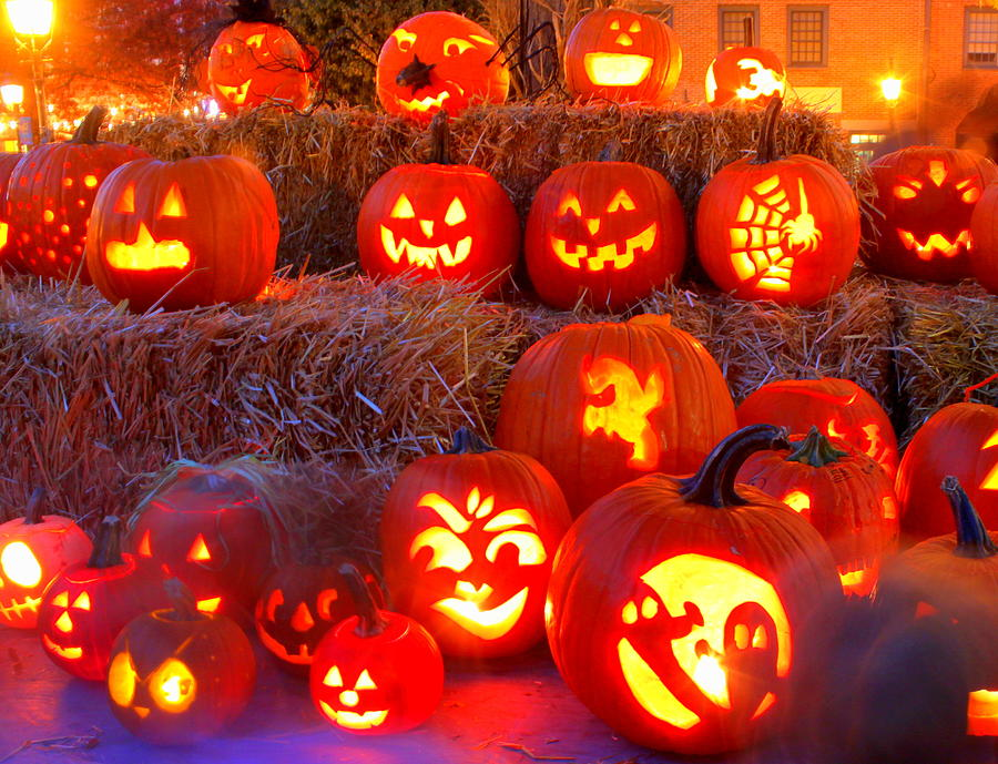 Pumpkins Photograph - Jackolanterns by Suzanne DeGeorge